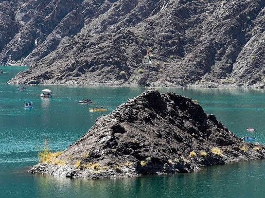 VISITORS CAN GO KAYAKING IN HATTA