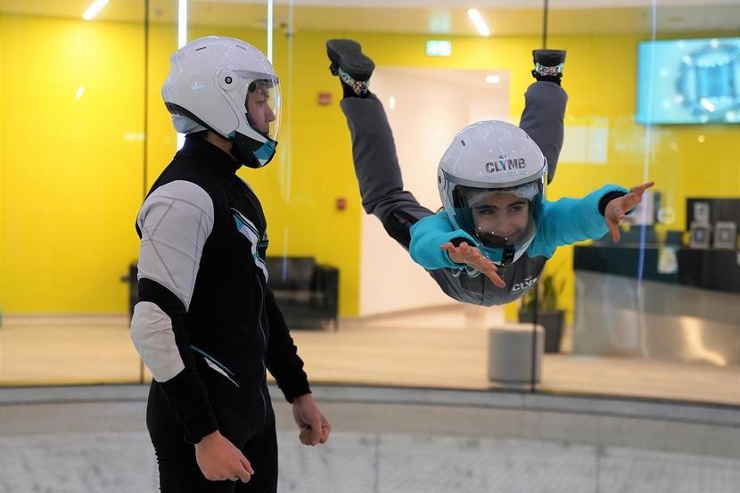 KIDS IN UAE GO SKYDIVING COURSES